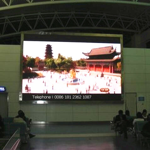 High Brighrness P4 Indoor Full Color LED Display pictures & photos