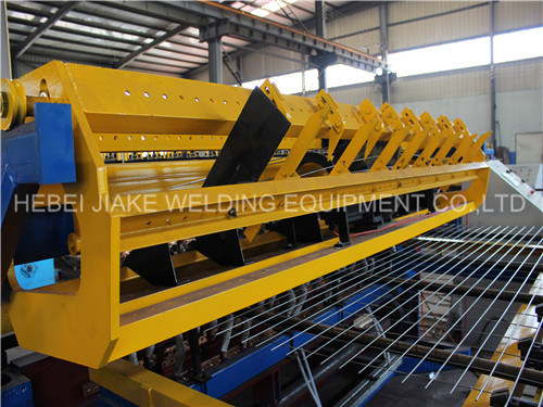 Automatic Wire Mesh Welding machine for Roll Mesh pictures & photos