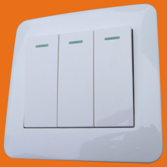 China UK 10ax 3 Gang 2 Way Switch Flame Retardent with CE Approved