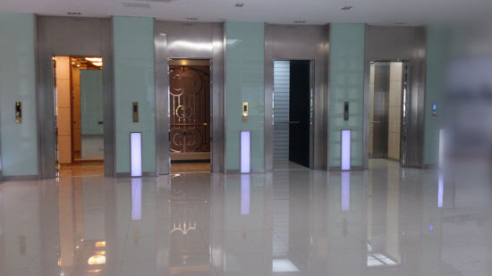 Delicate Hotel Elevator with Stainless Handrails pictures & photos