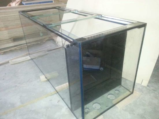 High Quality Fish Aquaria Tank with Acrylic Glass Board pictures & photos