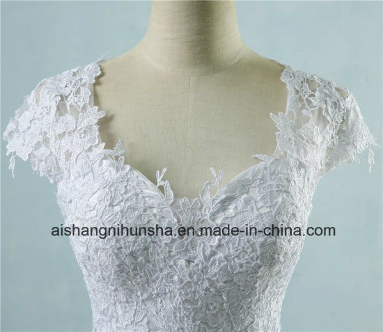 Lace Tulle Wedding Dress for Bride Protective Sleeve Dress pictures & photos