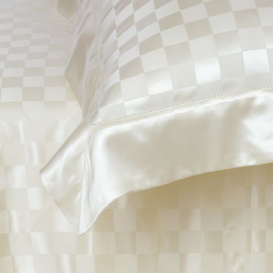 Taihu Snow Silk Hotel Quality Seamless Sheet Oeko-Tex Silk Bedding Set Bed Linen pictures & photos