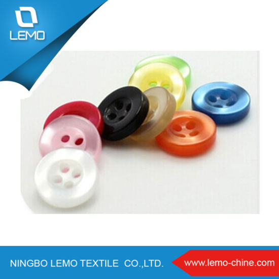 Hot Sales 2 Hole 4 Hole Polyester Shirt Button pictures & photos