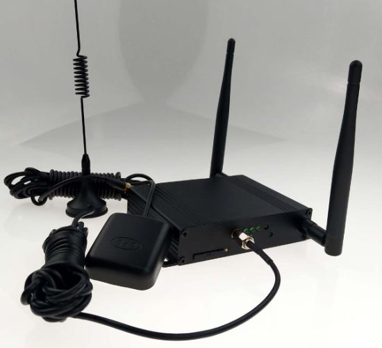 Wireless 4G Industry Router or CPE with 1 Wan/1 LAN or 2 LAN Ports, One Console Port and SIM Card pictures & photos
