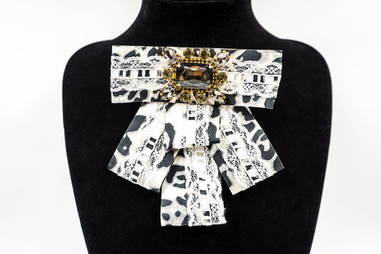 Elegant Bow Brooches Rhinestones Ribbon Bowknot Tassel Link Beauty Head Corsage Fashion Jewelry (BR-04) pictures & photos