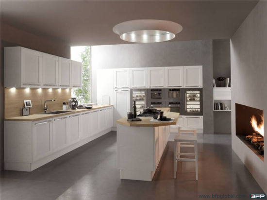 U Shaped Kitchen Designs Pcv Kitchen Cabinet pictures & photos