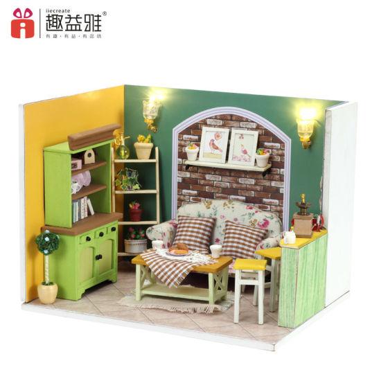 New Arrival Miniature Wood DIY Doll House