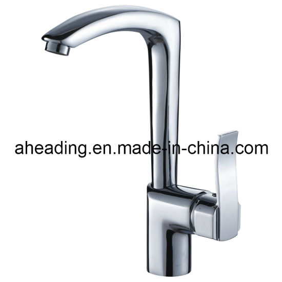Fashion Brass Body and Zinc Alloy Handle Kitchen Tap