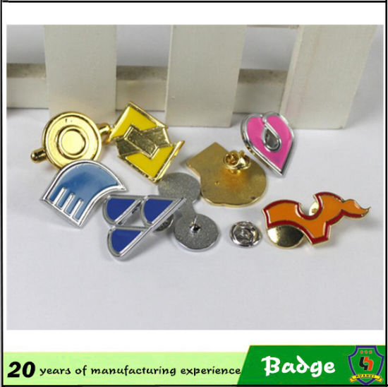 Customized Gold Eagle Metal Badges with High Quality pictures & photos