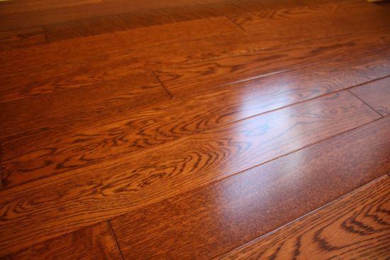 China Full Solid 18mm Premier Gunstock Oak Hardwood Timber Flooring