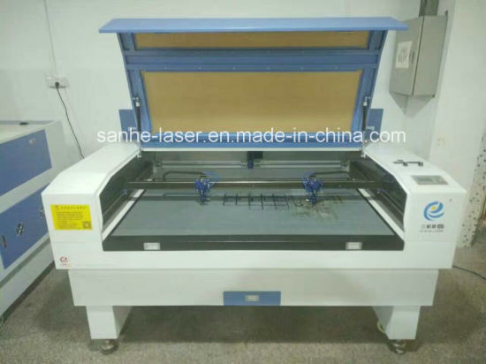 Factory Guangdong CO2 Laser Cutting Machine Acrylic Glass MDF Wood Leather Plastic pictures & photos