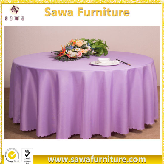 Wholesale White Polyester Wedding Ruffle Table Cloth pictures & photos