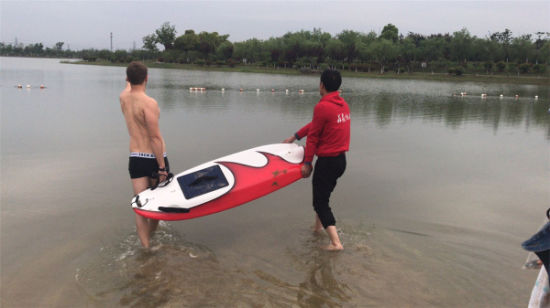 China Vanace New Jet Power Electric Surfboard for Water Play