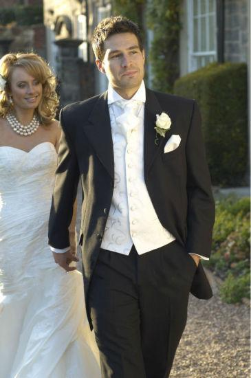 China Custom Wedding Groom Tuxedo Man Evening Suit Groomsman