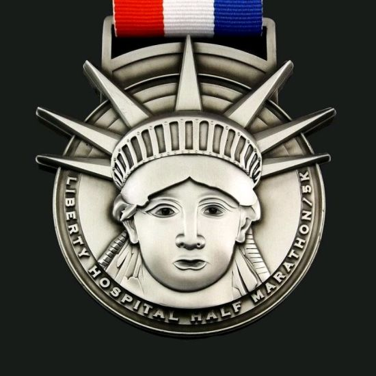 Custom Medal in Gold/Silver/Bronze Plating in Attached with Custom Lanyard