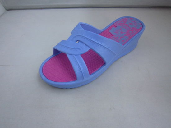 New Middle Flat Beautiful EVA Shoes for Women (TNK35840) pictures & photos