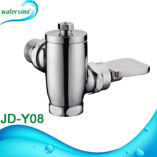 Brass Chrome Auto Self Closing Urinal Flush Valve pictures & photos