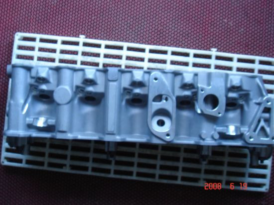 Engine Cylinder Head for V. W. Aat/Abt/Ael 074103351c pictures & photos