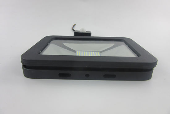 Professional IP65 Motion Sensor Outdoor LED Flood Light 30W (SLFAP5 SMD 50W-PIR) pictures & photos