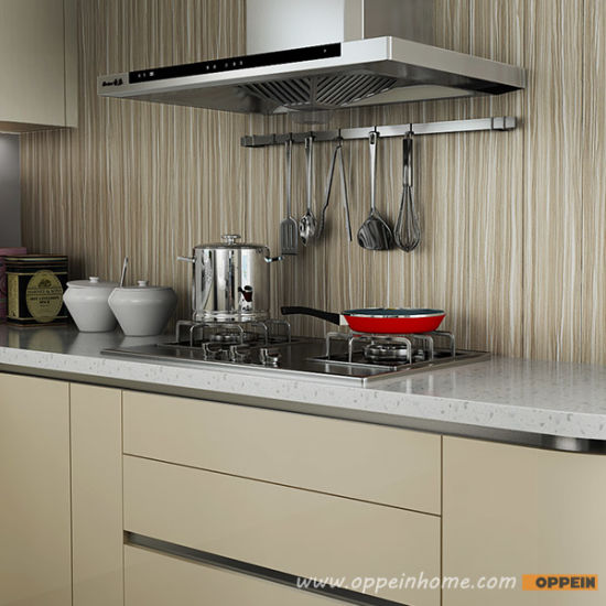 Oppein Contemporary Light Color Acrylic Wood Kitchen Cabinet (OP15-A03) pictures & photos