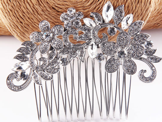 Newest Customized Christmas Decoration Crystal Hair Decoration Glass Rhinestone Crystal Hair Comb Hair Ornaments pictures & photos