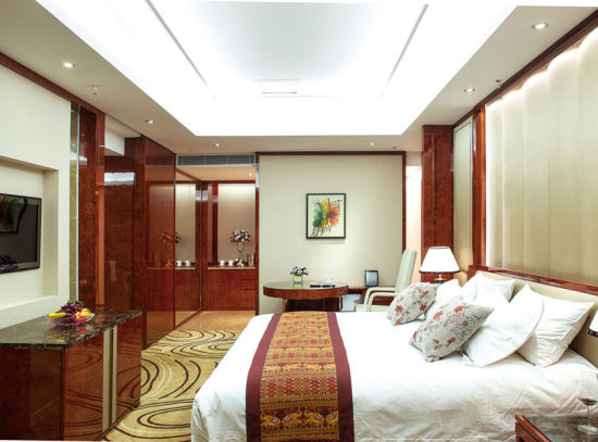 Customized Classic Hotel Wooden Bedroom Set Bedroom Furniture pictures & photos