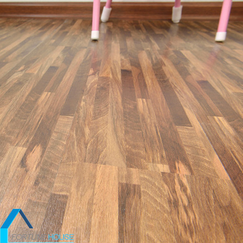 China Non Slip Wood Grain Click Interlocking Pvc Floor Plank Vinyl