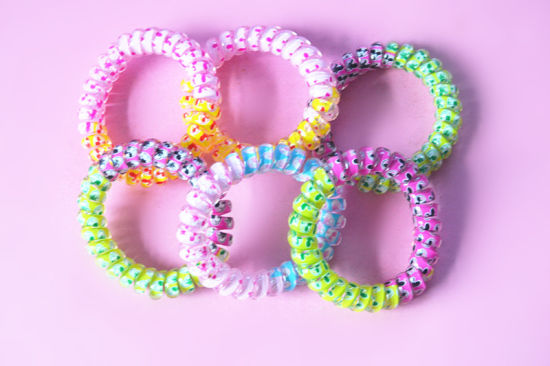 China Plastic Coiled Hair Band   Spring Plastic Hair Tie - China ... 4cdd766495a