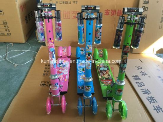 Two Wheels Folding Kids Kick Scooter with Two Feet Press Pedal Scooters pictures & photos