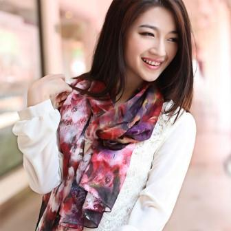 Digital Printed 100% Mulberry Silk Satin Women′s Flower Color Scarf Ladies Pure Silk Scarves pictures & photos