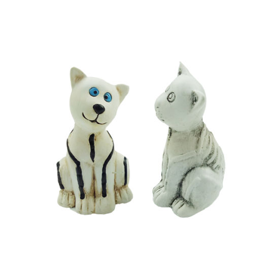 Indoor Hand Paint Ceramic Cat Statue pictures & photos