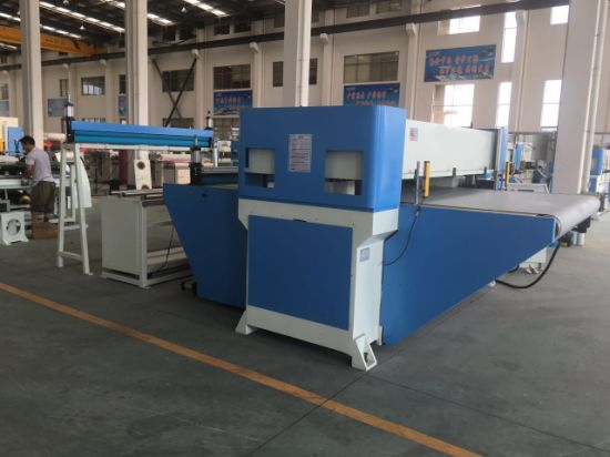 Auto Feeding Conveyor Belt Roll Fabric Cutting Machine pictures & photos