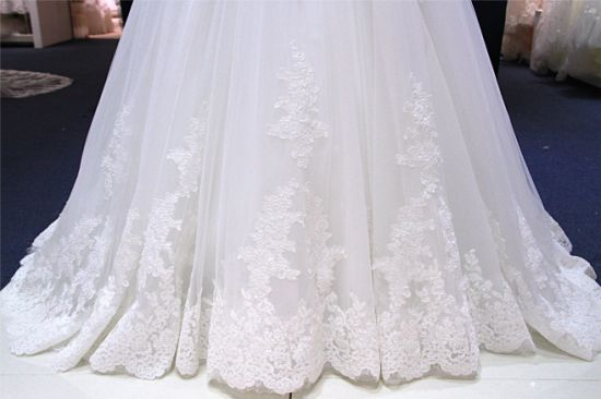 off Shoulder Lace Bridal Ball Wedding Gown pictures & photos