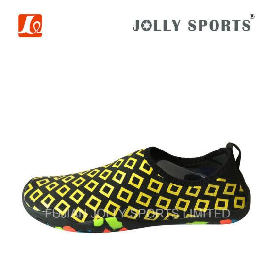 d26c550004cf Fashion Design Comfortable Water Shoes Aqua Footwear for Men Women pictures    photos