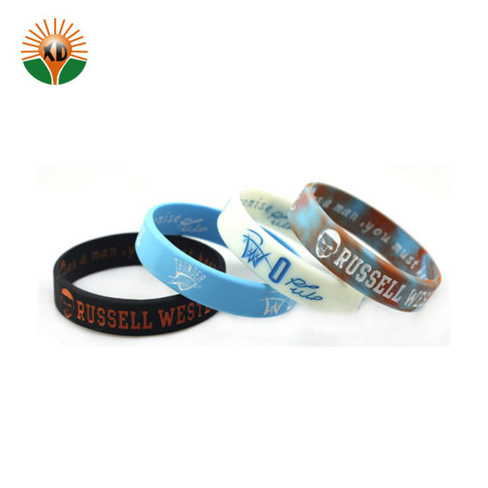 Various Style Japanese Silicone Customized Wristband pictures & photos