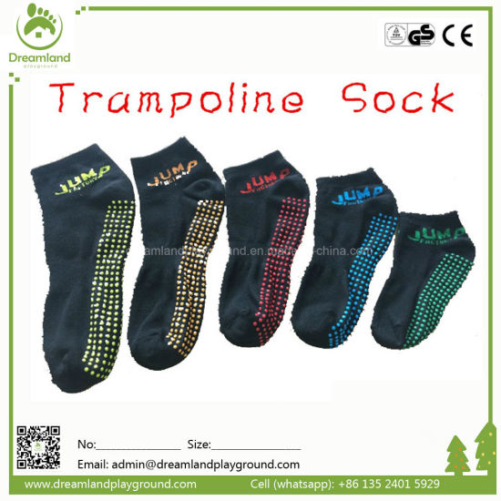 Wholesale Indoor Trampoline Socks, Customized Anti-Slip Grip Socks pictures & photos