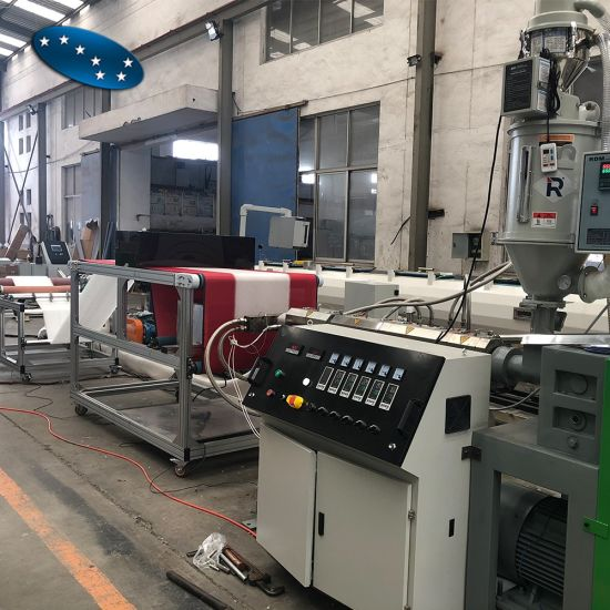Single Screw PP Fabric Extrusion Melt Blown Non Woven Fabric Making Machine