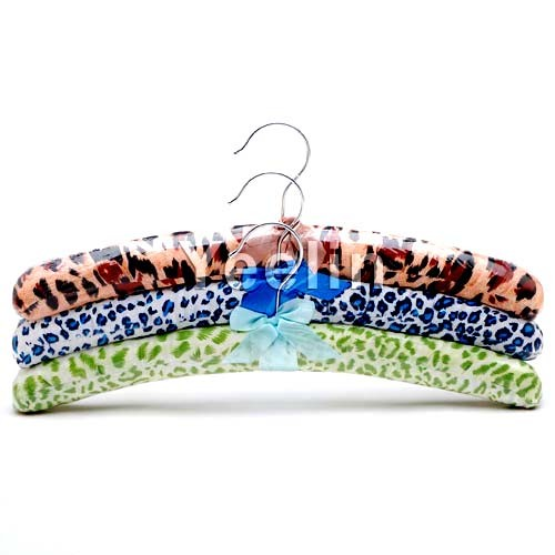 Padded Fabric Satin Hanger with Metal Hook pictures & photos
