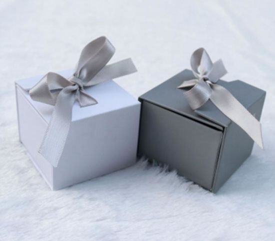 Custom Paper Box Gift Packing Box with Ribbon Bow Simple Lacing Box pictures & photos
