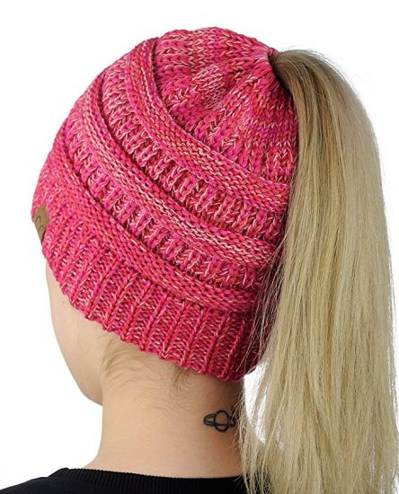 Outdoor Winter Warm Stretch Cable Knitted Ponytail Beanie Hat pictures & photos