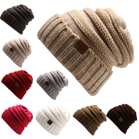 Fashion Women′s Leath Patch Knitted Beanie Hat pictures & photos
