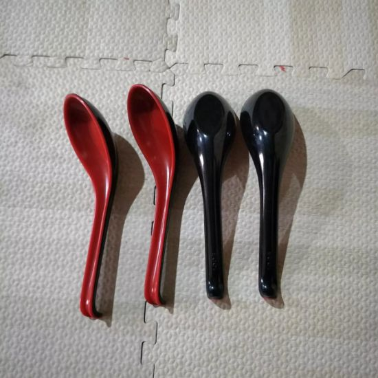 Wholesale Red Black Melamine Plastic Soup Spoons for Ramen Restaurants