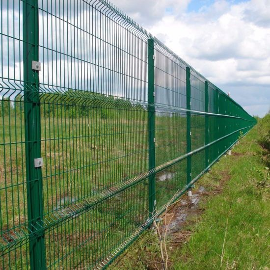 China Powder Coated Green Safety Welded Wire Mesh Curved Fence