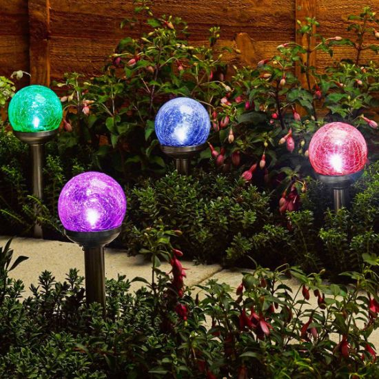 China Solar Powered Crackle Glass Ball Color Changing Lights
