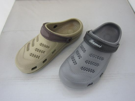 Wholesale Summer Beach Man Clogs (TNK40060) pictures & photos