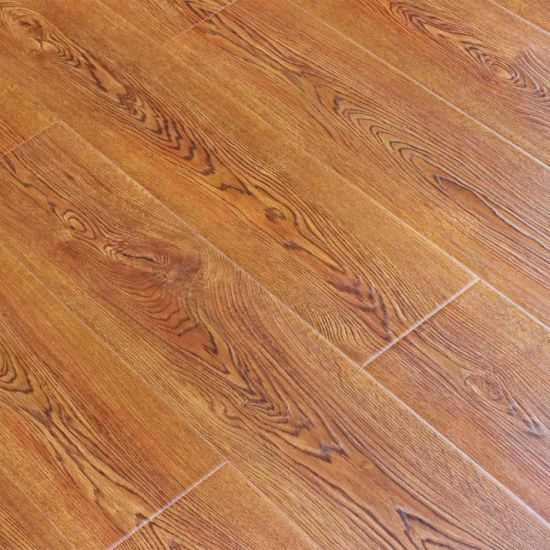 Engineered HDF Wooden Flooring Eir Surface Natural Wood Texture Laminate