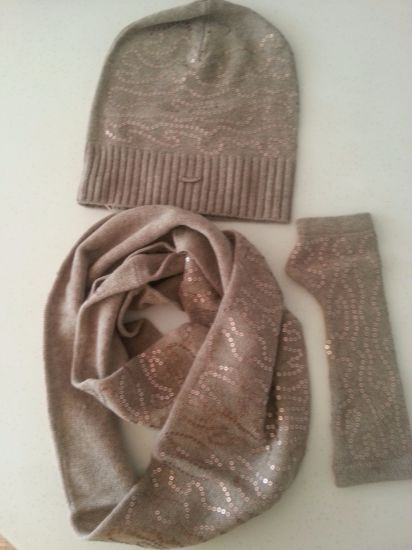 Cashmere Angel Set: Scarf Magic Gloves pictures & photos