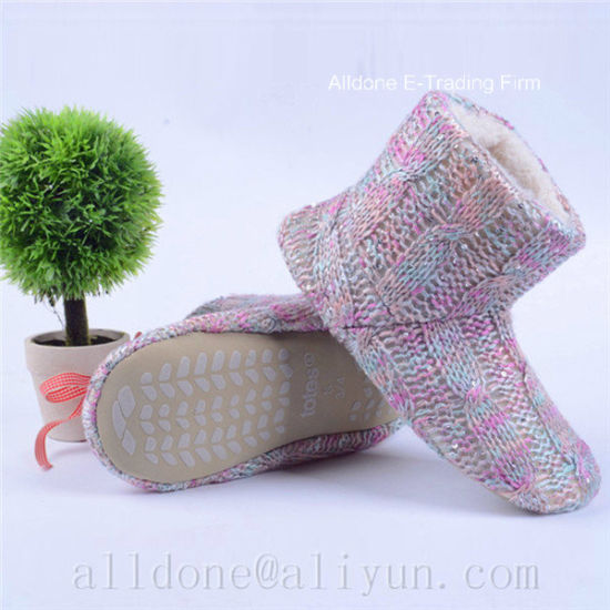 Fine Ladies Knitted Bootie Slippers Warm Indoor Boots pictures & photos