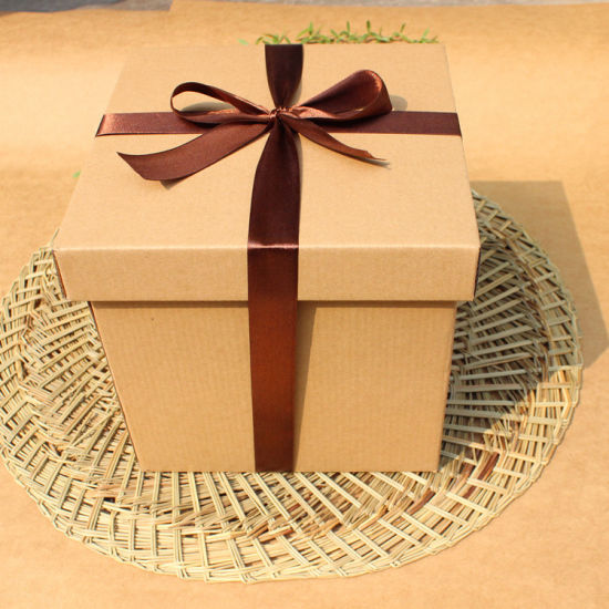 China Large Kraft Paper Snacks Gift Boxes Empty Boxes Square Sky